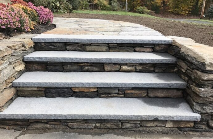 Humble-League City TX Landscape Designs & Outdoor Living Areas-We offer Landscape Design, Outdoor Patios & Pergolas, Outdoor Living Spaces, Stonescapes, Residential & Commercial Landscaping, Irrigation Installation & Repairs, Drainage Systems, Landscape Lighting, Outdoor Living Spaces, Tree Service, Lawn Service, and more.