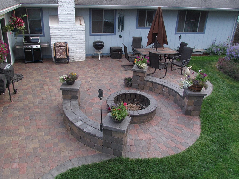 Stonescapes-League City TX Landscape Designs & Outdoor Living Areas-We offer Landscape Design, Outdoor Patios & Pergolas, Outdoor Living Spaces, Stonescapes, Residential & Commercial Landscaping, Irrigation Installation & Repairs, Drainage Systems, Landscape Lighting, Outdoor Living Spaces, Tree Service, Lawn Service, and more.